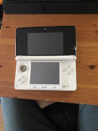 Nintendo 3Ds con 3 juegos y cargador