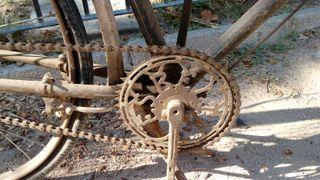Bicicleta marca Esbelta freno de varillas