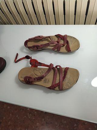 sandalias Decathlon cómodas