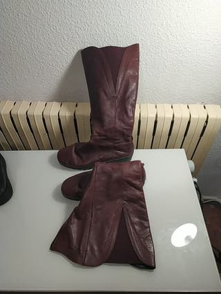 botas altas de piel granates