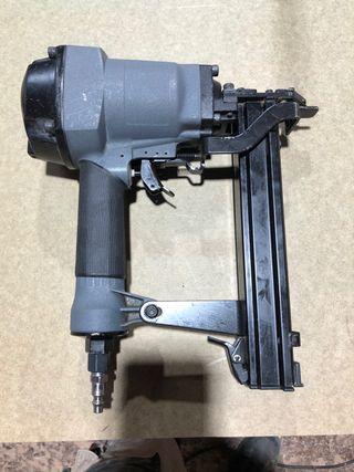 Pistola simes neumatica para puertas. Apenas uso