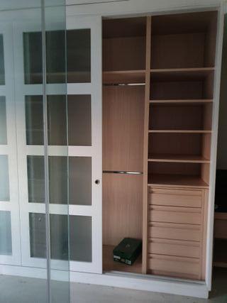 Armario modular con puerta corredera