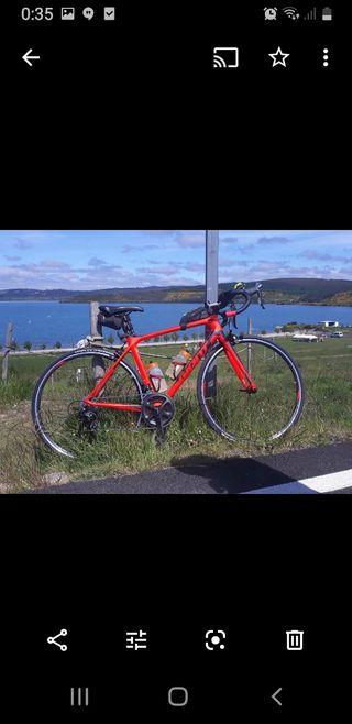 Bicicleta carretera giant (comprada 2018)poco uso