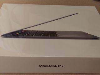 MacBook Pro 13 2020. i7,16,512.