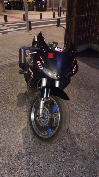 Yamaha FZR 1000Cc Circuito