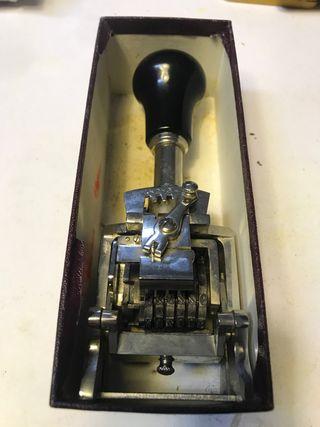 Numerador sellador antiguo