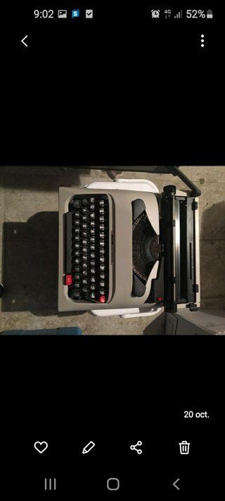Máquina de escribir olivetti lettera 12
