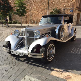 Ford Beauford es del 1980 ( replica )