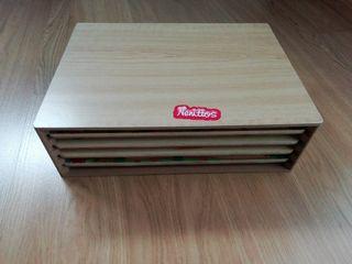 Caja con 4 puzles encajables