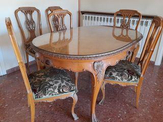 Taula i 6 cadires