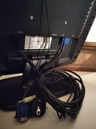 monitor PC y ratón inalámbrico