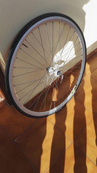 rueda bicicleta delantera