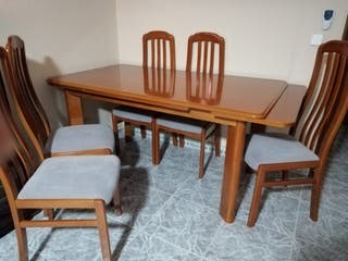 Mesa grande extensible y 5 sillas