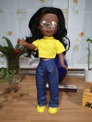 Preciosa muñeca Nancy negrita reedición nueva