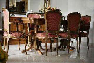 Salón clásico completo. Mesa, 6 sillas y aparador