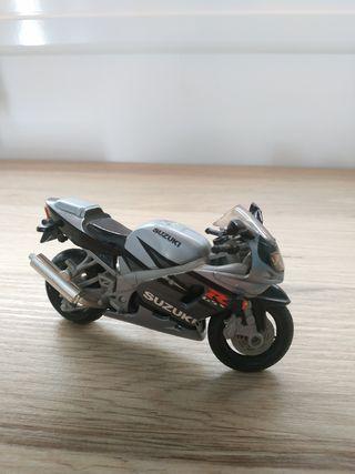 Suzuki Gsx 750r - 1:18