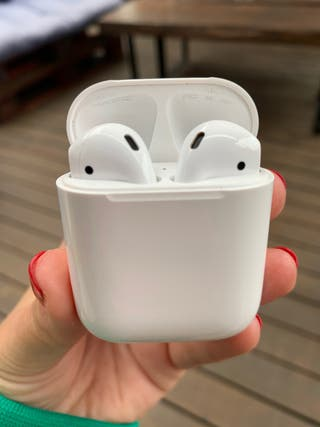 Apple AirPods 1 generation