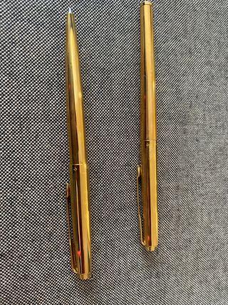 Juego de bolígrafo y pluma Parker chapado oro