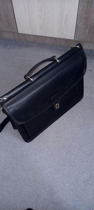 2 maletin de piel