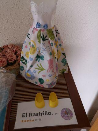 Conjunto de vestido y zapatos para muñeca Nancy.