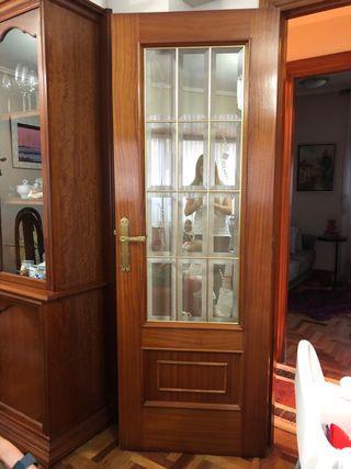 3 puertas de madera y cristal