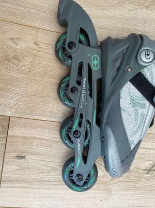 NO FEAR size 7 roller skates/rollerblades