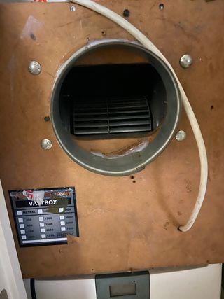 Extractor con caja de 750 m3 , muy silencioso