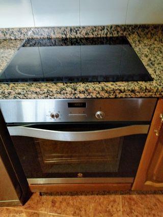 Placa vitrocerámica y horno