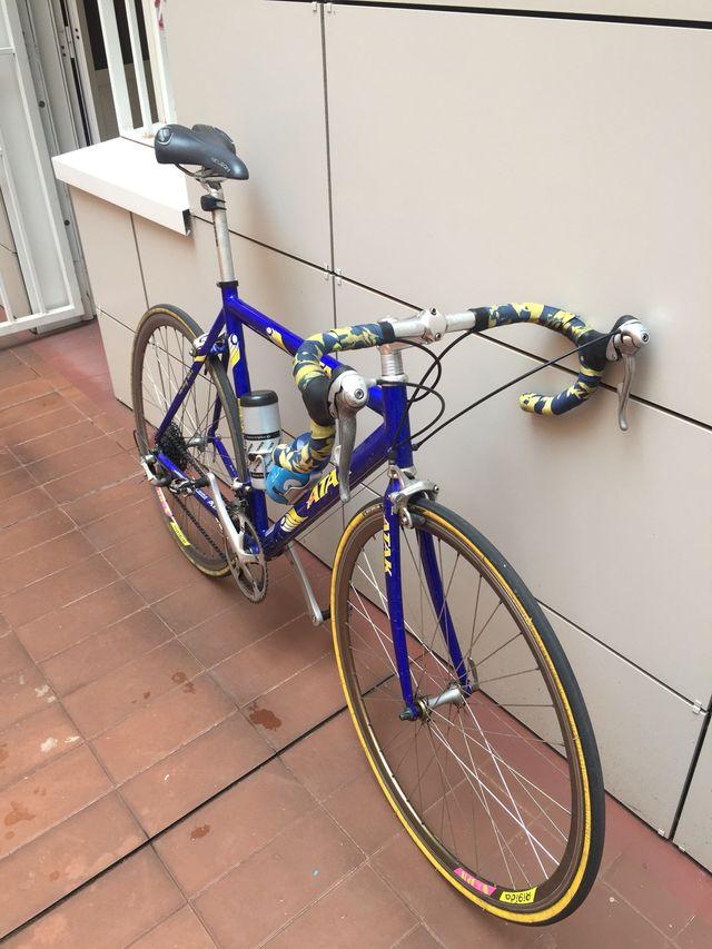 Bicicleta carretera ATAK