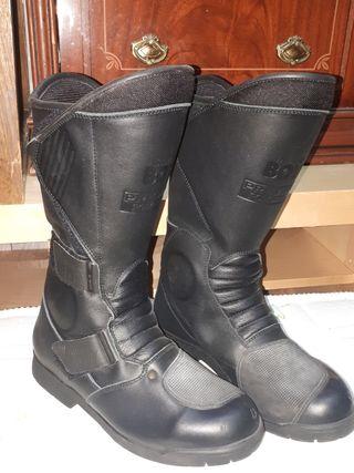 Botas de moto color negro