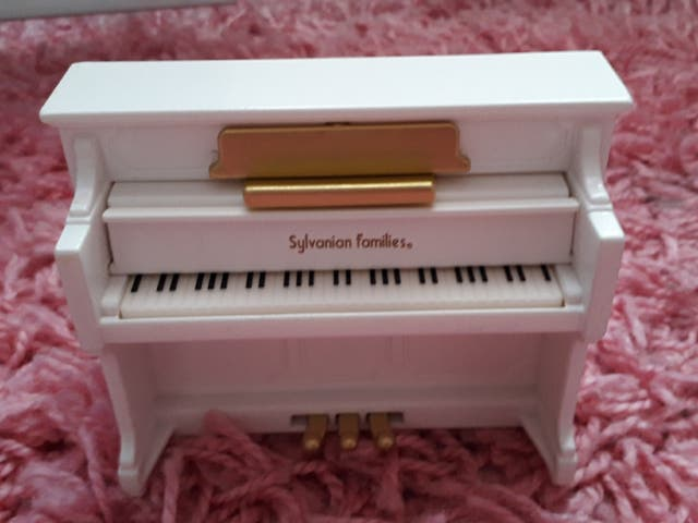 Sylvanian families piano