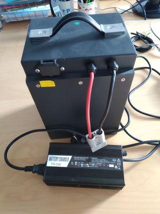 Bateria de moto electrica y cargador