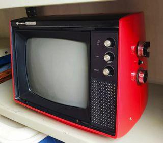 Televisor Vintage Sanyo T-12 BS