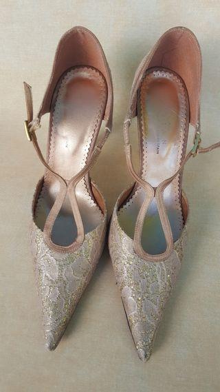 Zapatos dorados de fiestA