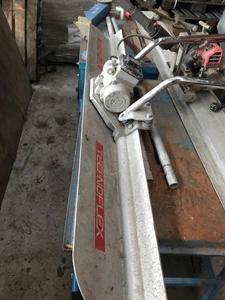 Niveladora de cemento electrica.