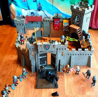 Castillo medieval playmobil, guerreros , romanos