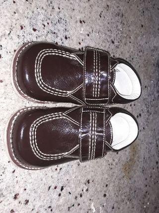 zapatos charol 22 NUEVOS marrones niño bebe piel