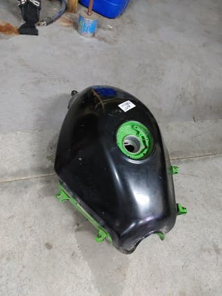depósito Kawasaki Ninja 250