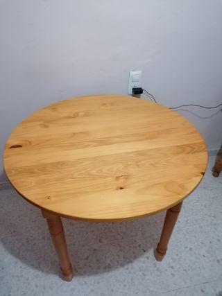 mesa extensible en perfecto estado.
