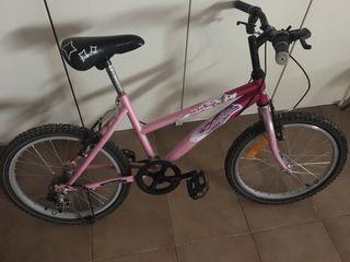 Bici rosa niña