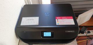 HP Multiuso Impresora ENVY 5030/casi nueva