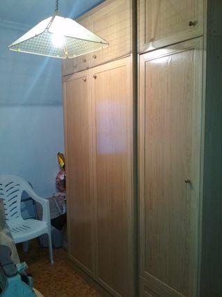 cama armario impecable
