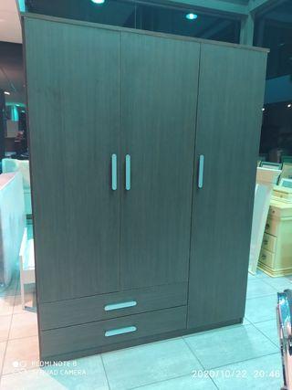 armario 3 puertas wengue.150x200x50