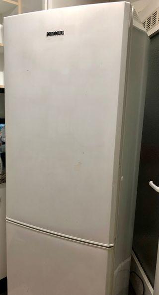 Nevera y congelador Samsung RL34SCSW blanco