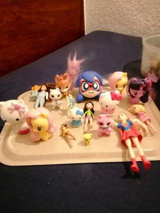 lote de 17 muñecos de Chica..