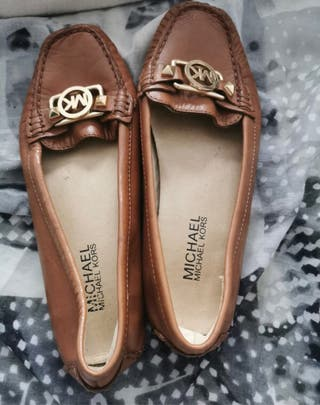 Zapatos tipos mocasines Michael kors
