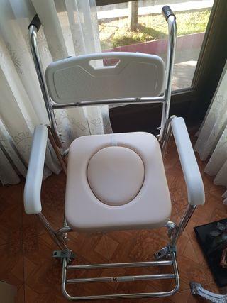 Silla de ruedas para ducha con cubeta de p