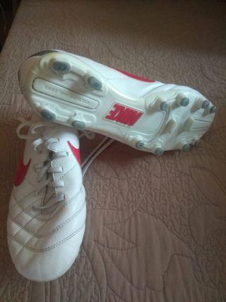 botas futbol Nike talla 40,5