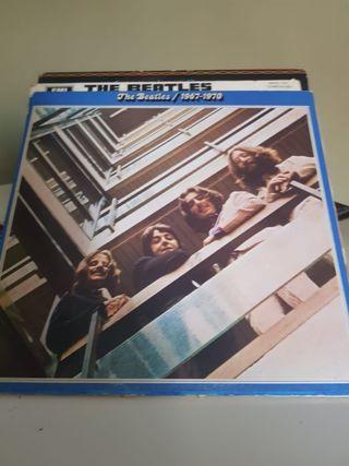 Discos Vinilos the beatles y Bob Dylan.