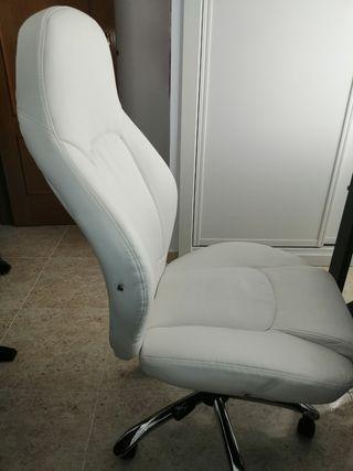 silla de oficina o estudio